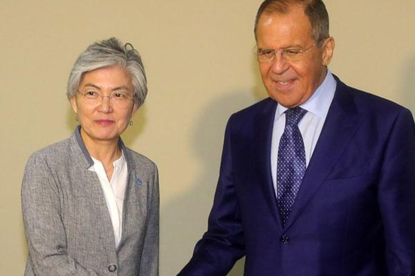 محادثات بين وزيريْ خارجية كوريا الجنوبية وروسيا حول كوريا الشمالية