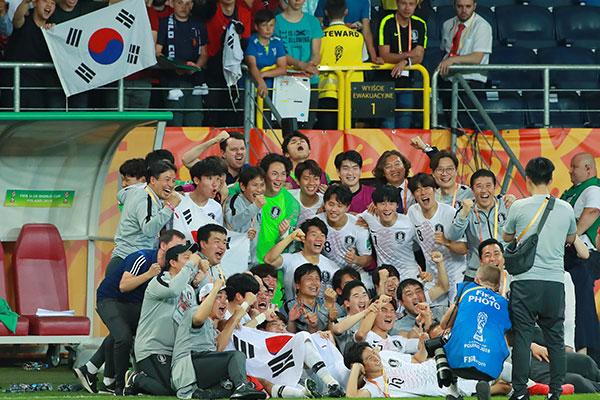 Fußball: Südkoreas U-20 nach Sieg über Ecuador erstmals im WM-Finale