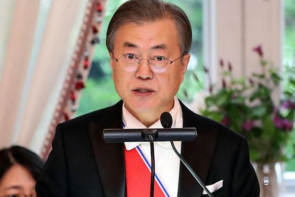 文大統領「6月末のトランプ訪韓前の南北首脳会談が望ましい」