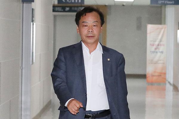 '불법 정치자금' 이완영 의원 벌금 5백만 원 확정…의원직 상실