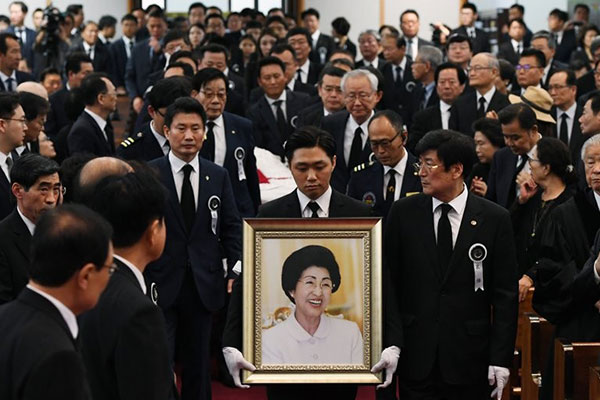 Memorial Services Held in Seoul to Honor Late First Lady Lee Hee-ho