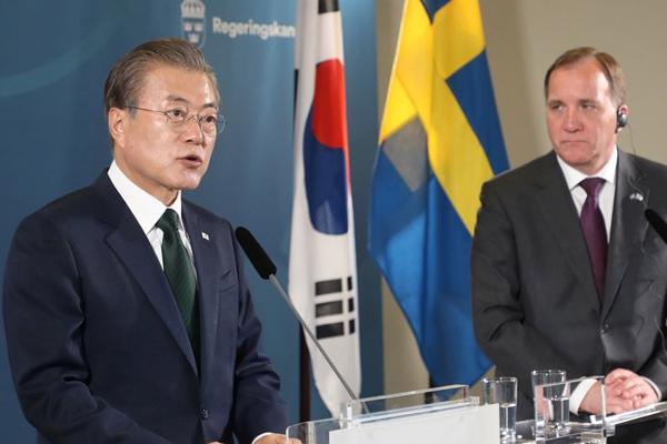 Moon kommt mit Schwedens Ministerpräsident zu Gipfelgespräch zusammen
