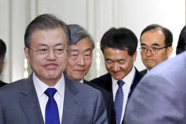 문대통령, 이번주 자유총연맹 초청 오찬…반부패협의회도 개최