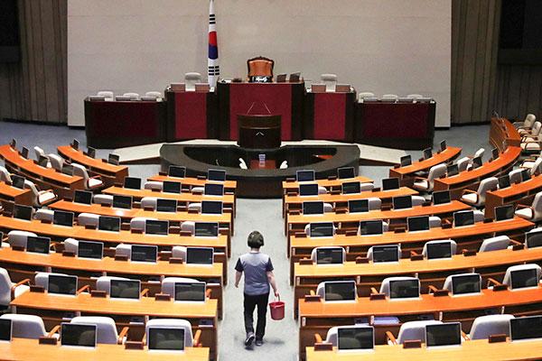 Parlement : la session extraordinaire de juin débute en l'absence du PLC