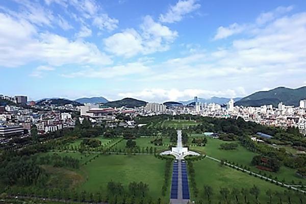 '한국 땅에 묻힐래' 사후 유엔공원 찾는 해외 참전용사들