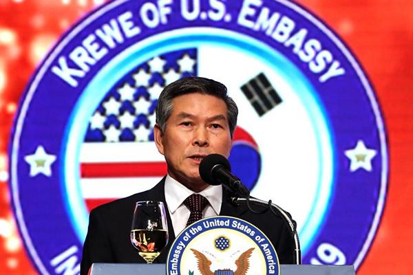 韓国国防部長官 新米国防長官代行と就任初日に会談