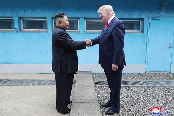 Президент США Дональд Трамп высоко оценил результаты встречи с лидером КНДР