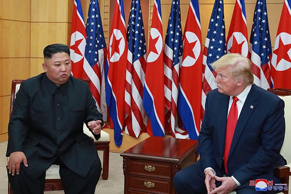 Prensa norcoreana aplaude la cumbre entre Kim y Trump