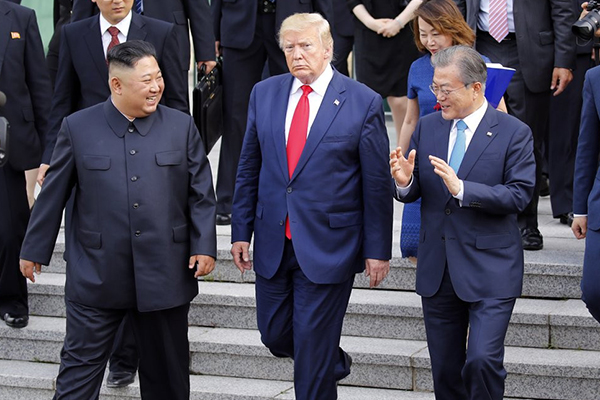 북한, '대남 비난' 수위 높여..