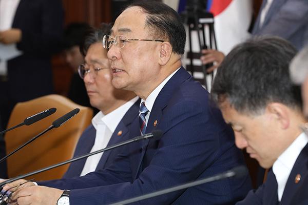 Vice primer ministro de Economía critica las represalias de Japón