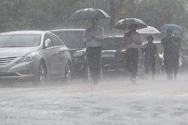 31 Killed, 7,000 Displaced as Heavy Rain Batters S. Korea