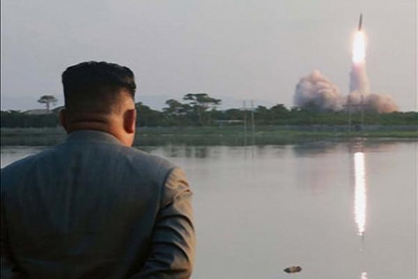 بيونغ يانغ تطلق المزيد من الصواريخ مع بدء تدريبات سيول وواشنطن