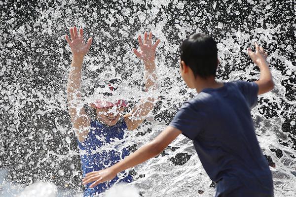 경기도 폭염경보 23개 시군 확대…14일까지 더위 지속