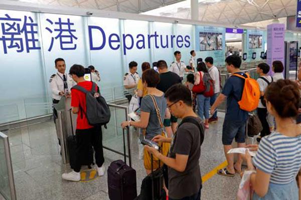 홍콩-한국 노선은 정상운항…일부 항공편은 탑승률 급감