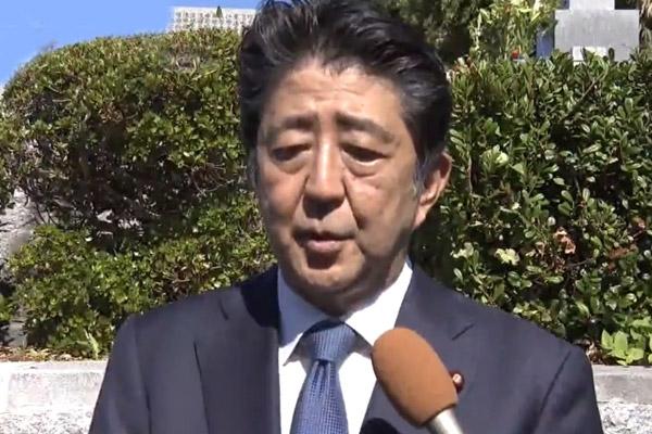 Abe Kirim Persembahan ke Kuil Kontroversial untuk Hormati Penjahat Perang Dunia Kedua