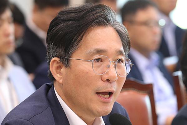 """야권, """"핵심 전략 품목 공개해야""""…성윤모 """"기업들이 부정적 영향 우려"""""""