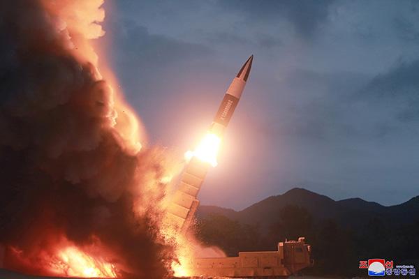 КНДР запустила два неопознанных снаряда в восточном направлении