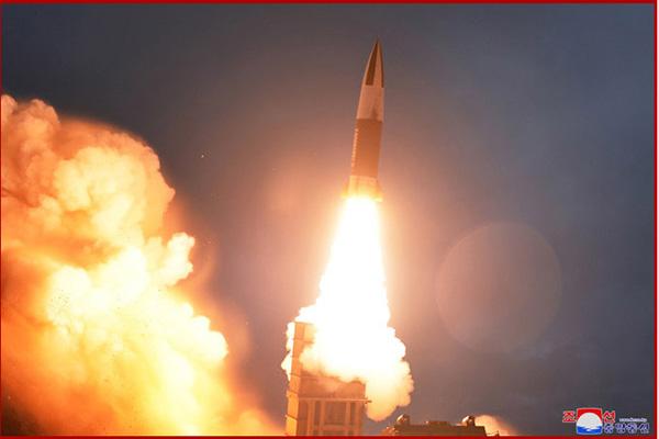 Corea del Norte lanza dos proyectiles hacia el Mar del Este