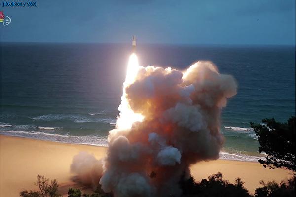 北韩16日上午向东海发射2枚不明发射体