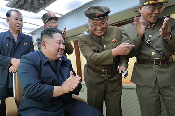 """북한 신문 """"군사적 위력 시위는 남미 향한 경고"""""""