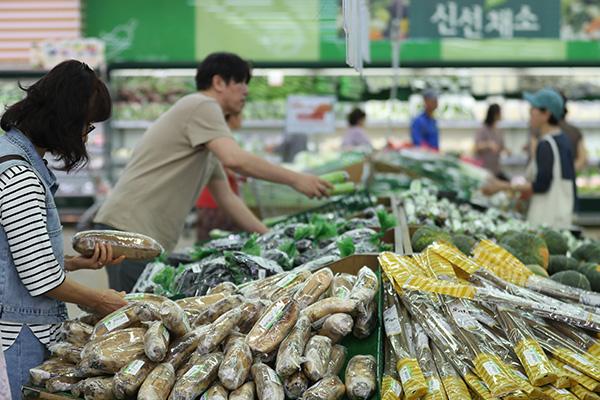 한국 물가상승률 50여개국 평균보다 1.2%p 낮아