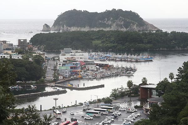Тайфун «Линлин» подошёл к Корейскому полуострову