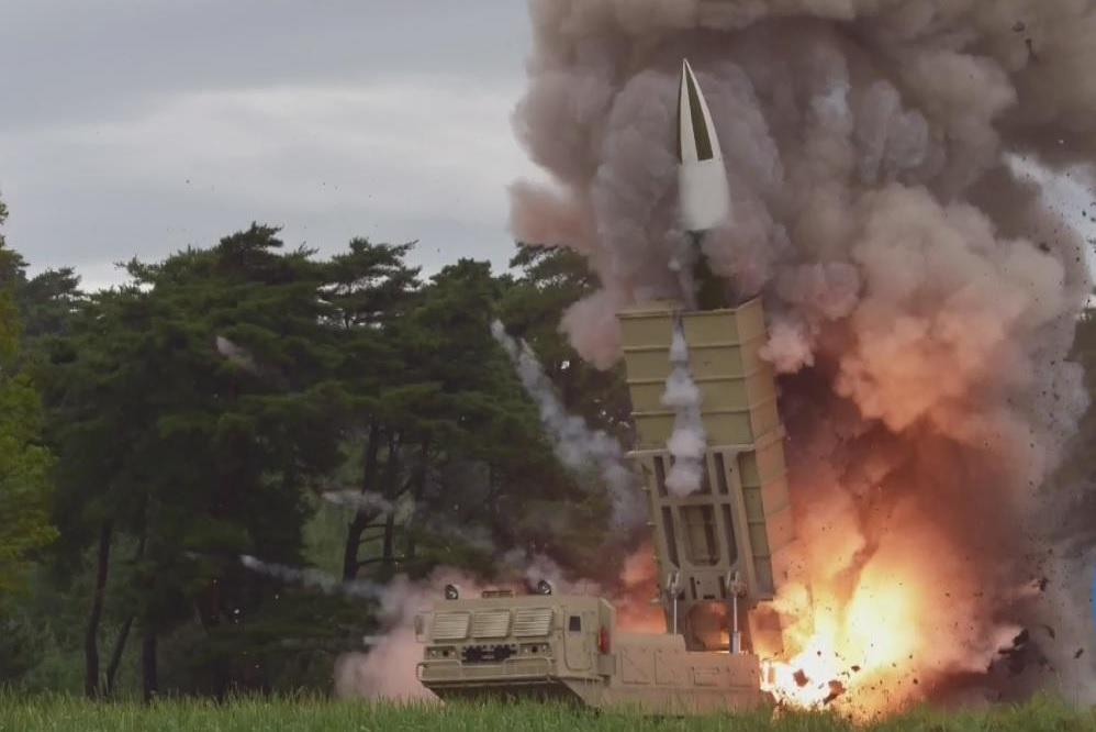 КНДР запустила два неопознанных снаряда в сторону Восточного моря