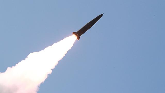 Bắc Triều Tiên tiếp tục phóng hai vũ khí tầm ngắn