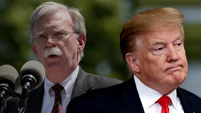 """""""카다피를 보라"""" 트럼프, 볼턴 비난하며 北에 안전보장 메시지"""