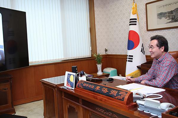 이총리, 국민대표 9명에게 '추석인사'…청해부대장·정정용 감독과 통화
