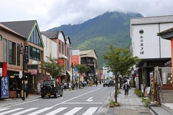 No. of S. Korean Travelers to Japan Nearly Halves in Aug.