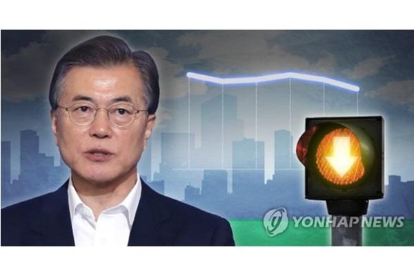 文大統領の支持率50%割れ 対北韓政策で失望か