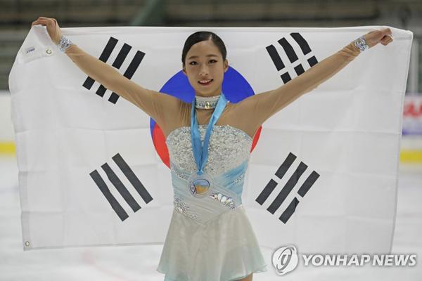 Eiskunstläuferin You Young gewinnt Silbermedaille bei Wettbewerb in USA