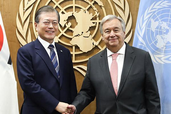 Präsident Moon und UN-Generalsekretär sprechen über Friedensprozess auf koreanischer Halbinsel