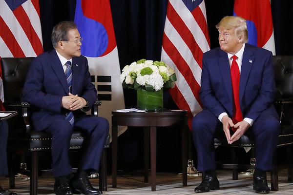 Moon äußert in Gespräch mit Trump Hoffnung auf dritten Nordkorea-USA-Gipfel