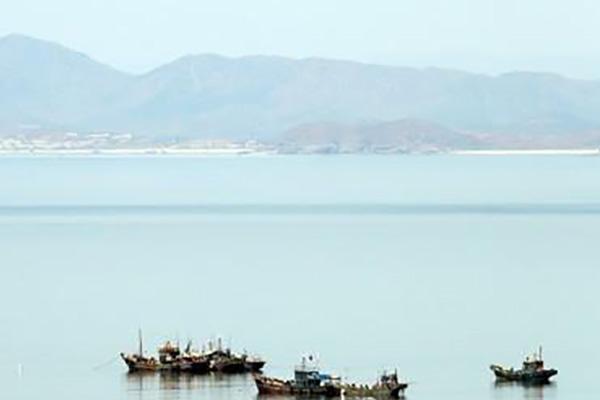 Северокорейский военный катер пересёк межкорейскую границу в Жёлтом море