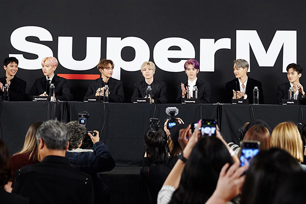 SuperM、ショーケース開催 「ハリウッド進出に成功」