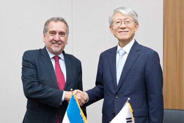 Corea del Sur y Argentina cooperarán en ciencia y tecnología