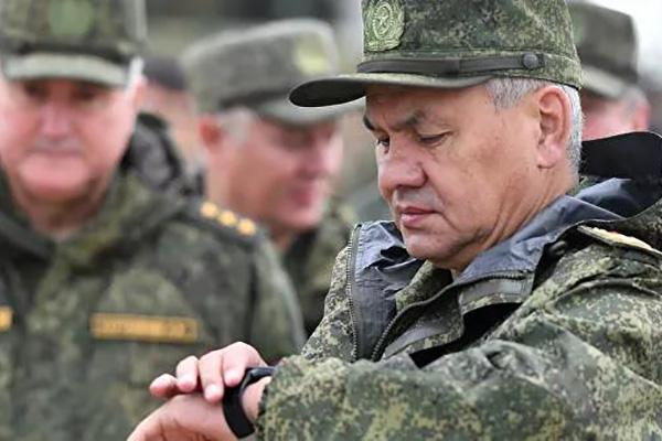 وزير الدفاع الروسي يزور كوريا الشمالية في أكتوبر