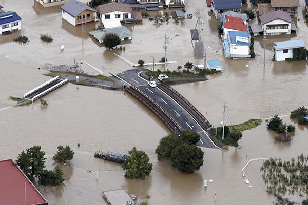 태풍 하기비스 일본 사망·실종자 80명 넘어…아베, 경제 타격 장기화 우려