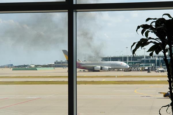 Kebakaran Terjadi di Pesawat Asiana Airlines OZ202