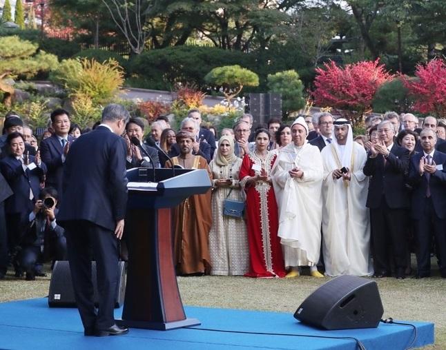Moon Asks Foreign Ambassadors to Help Korean Peninsula Peace Efforts