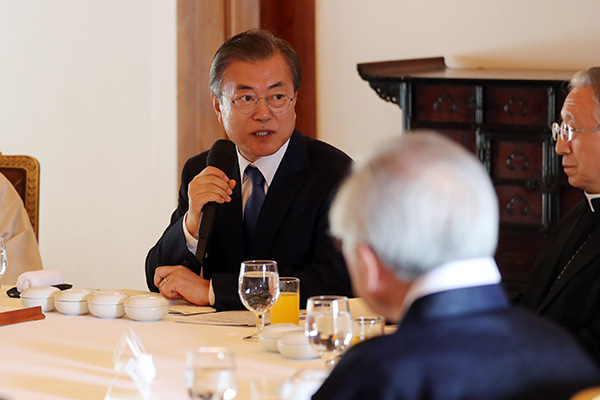 Президент РК призвал религиозные круги помочь обеспечить единство в обществе
