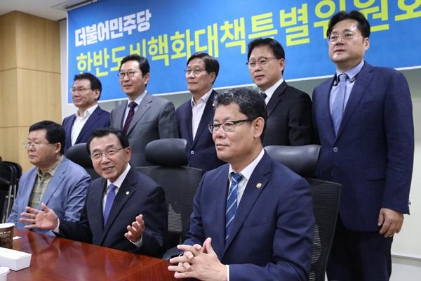 Le ministre de la Réunification voit toujours un espace de coopération dans les relations avec Pyongyang