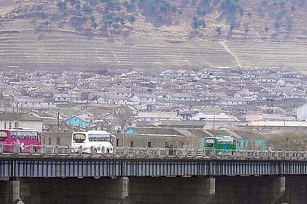 북한, 남측 막히자 중국에 러브콜…금강산 투자유치 가속