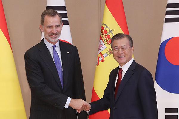 Präsident Moon präsentiert Vorschläge für Kooperation zwischen Südkorea und Spanien