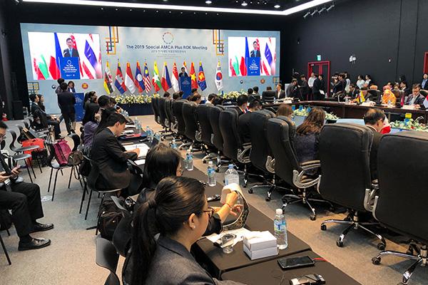 Presiden Moon Harap Pertukaran Konten Industri Budaya Korsel-ASEAN Lebih Aktif