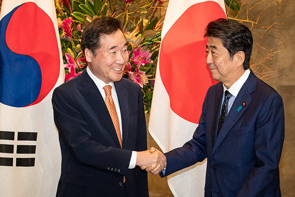 Prime Minister Lee Meets Abe in Tokyo