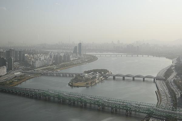 韩国出现今秋首个沙尘天气