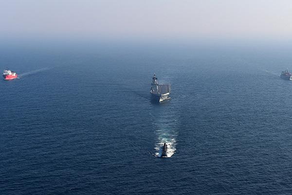 القوات البحرية الكورية تختتم مناورات في البحر الشرقي